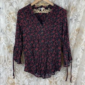 Westport floral poppy peasant blouse v neck small